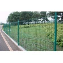 批发带柱子铁丝围栏网 不生锈的铁丝隔离